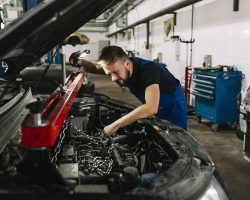 Penyebab Utama Mobil Toyota Avanza Turun Mesin